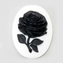 Kamee must lill valgel taustal/40x30mm