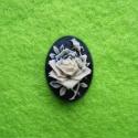Kamee valge roos mustal taustal/18x13mm
