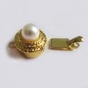 Kuldne karpkinniti valge pärliga
