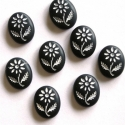 Must kamee valge lillega/10x8mm