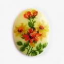 Portselanist kamee lilledega/ 40 x 30 mm